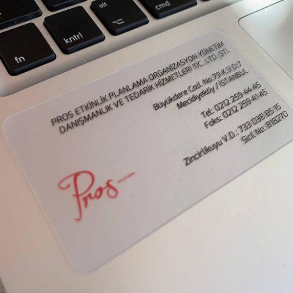 Ekonomik, ucuz şeffaf kartvizit